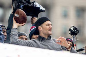 Tom Brady estaría dispuesto a jugar seis o siete años más