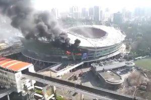 VIDEO: Estadio donde juega Carlos Tévez sufre terrible incendio