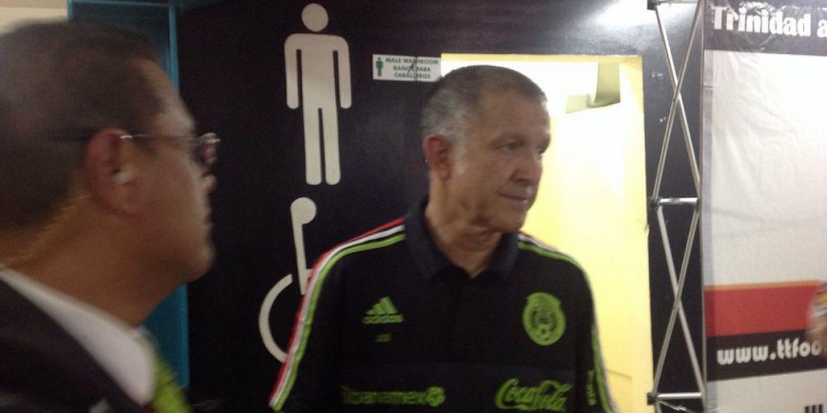 """Osorio cumple apuesta con el """"Chicharito"""" y se rapa la cabeza"""