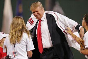 Declina Donald Trump invitación para lanzar la primera pelota de la temporada