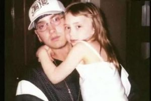 Hija de Eminem enloquece en las redes con su sensualidad y belleza