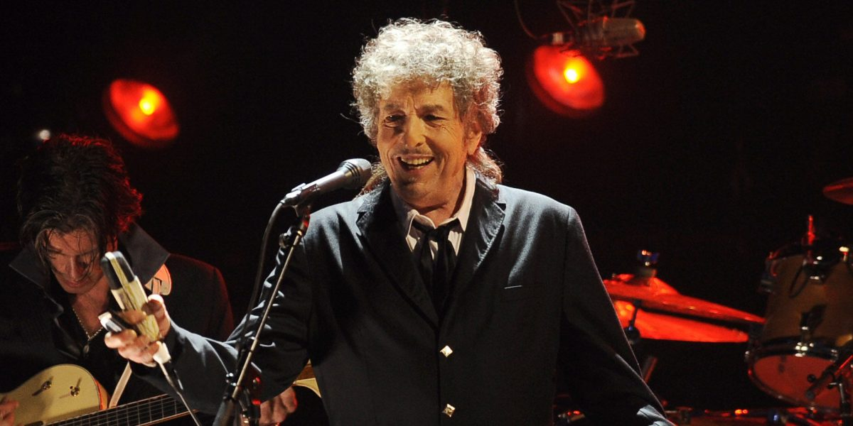 Después de 3 meses, Bob Dylan finalmente aceptará el Premio Nobel de Literatura