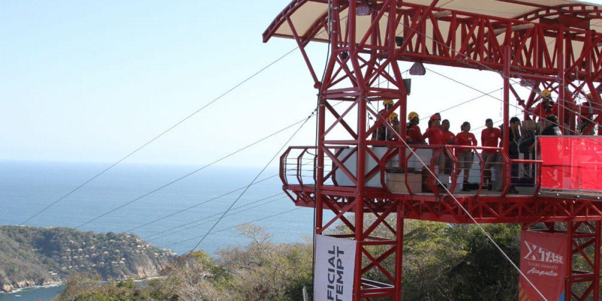 Acapulco inaugura la tirolesa más larga del mundo