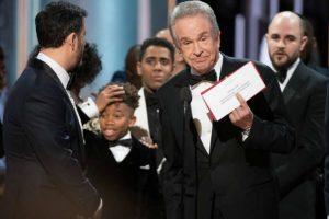 Academia cambia protocolos para la entrega del Oscar tras histórico error
