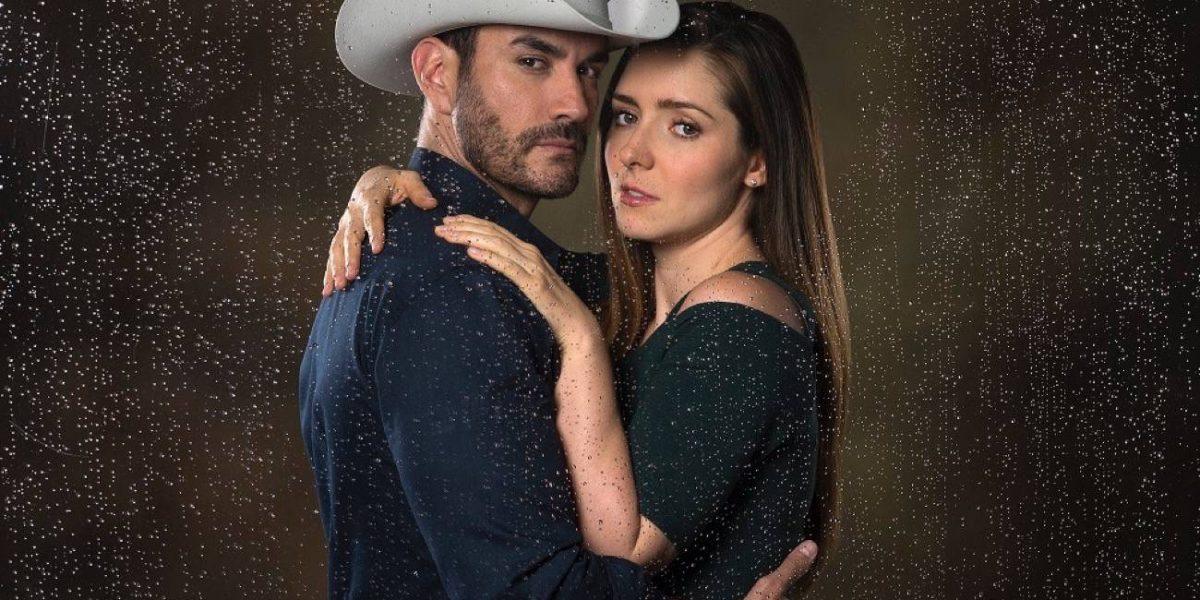 David Zepeda y Ariadne Díaz protagonizan fuerte y confusa escena sexual