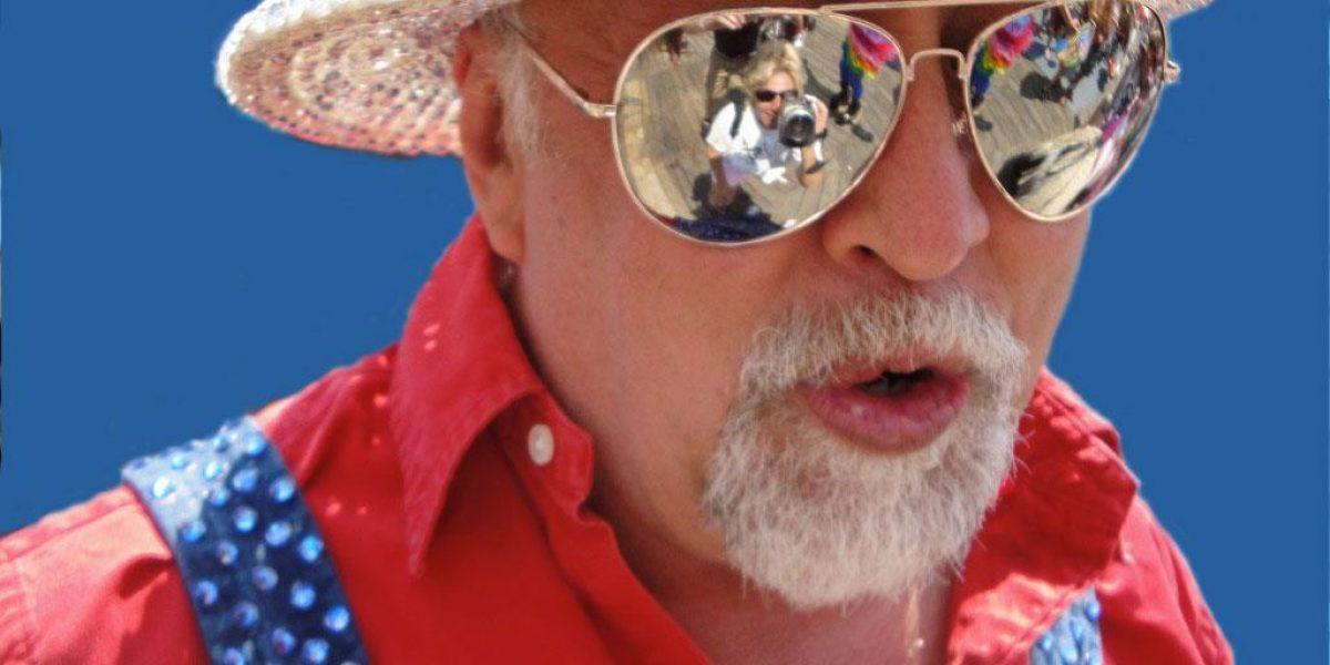 Muere Gilbert Baker, creador de la bandera gay