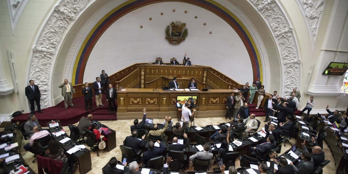 Tribunal Supremo de Venezuela elimina sentencias contra Asamblea Legislativa