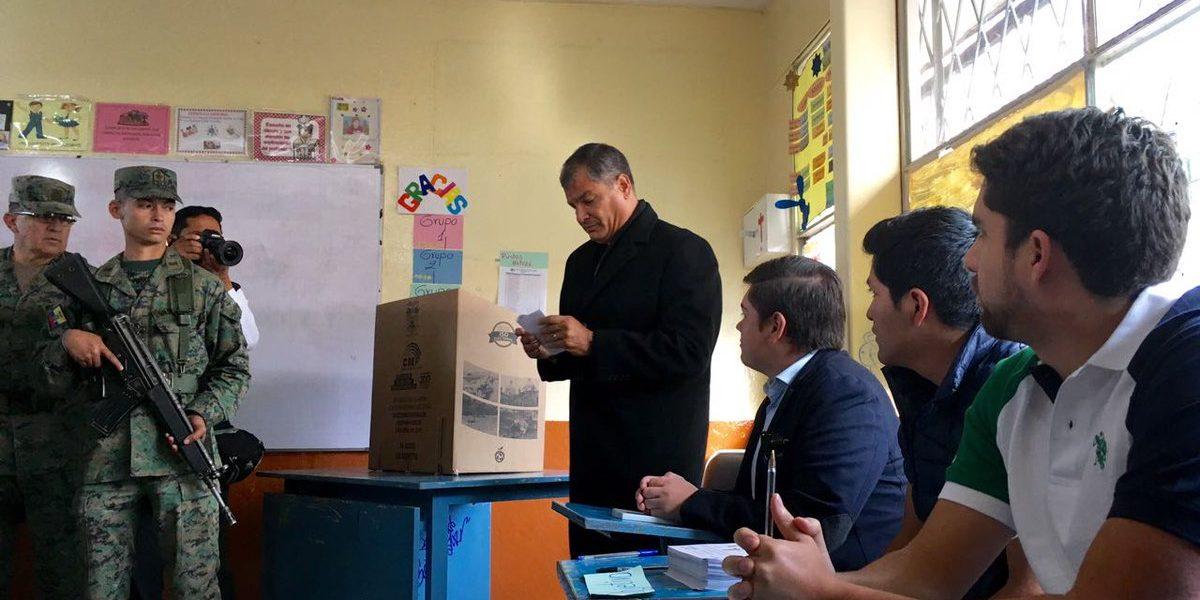 Ecuador decide hoy a su próximo presidente en segunda vuelta electoral