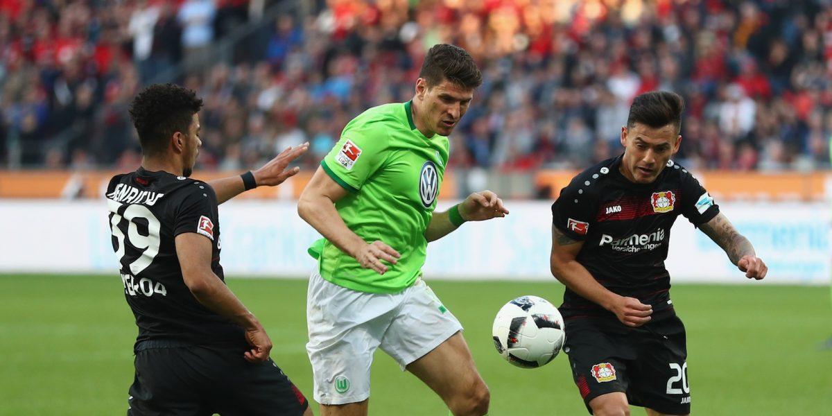 Sin 'Chicharito', Leverkusen rescata el empate ante el Wolfsburgo