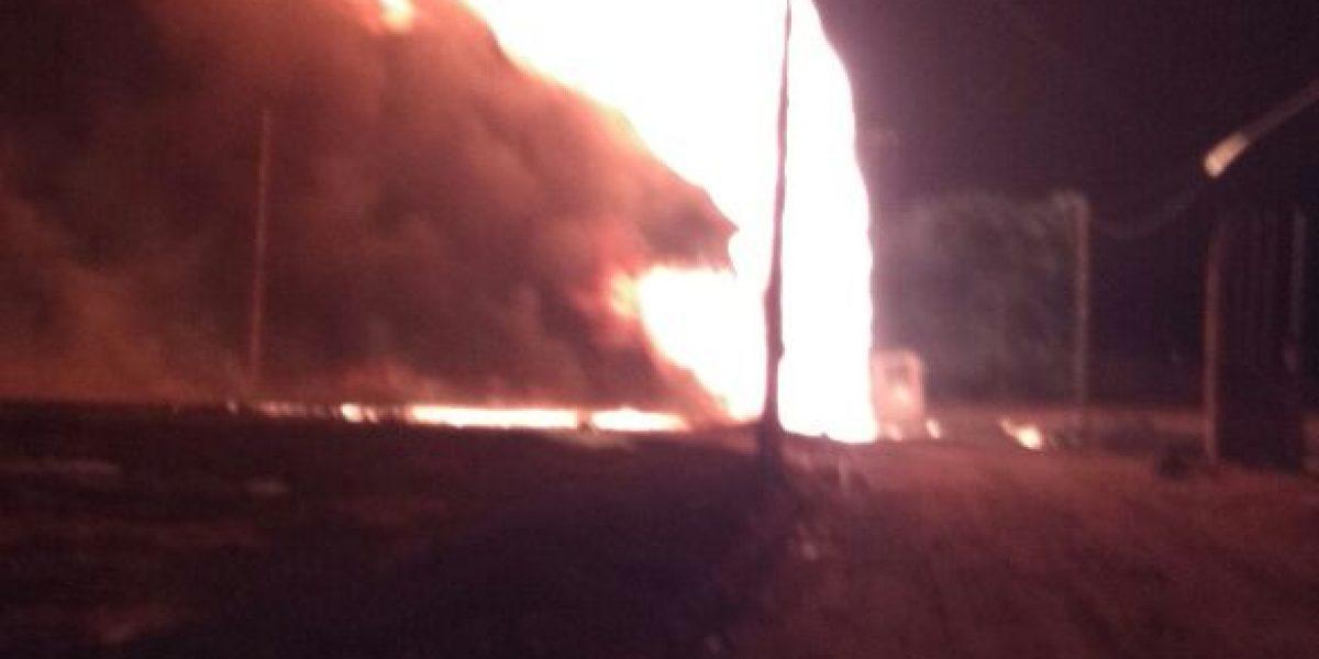 Explosión en ducto de Pemex en Puebla deja un muerto