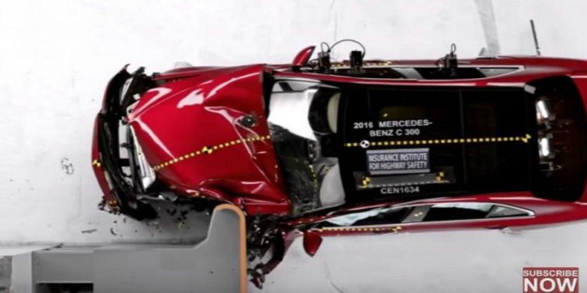 VIDEO: Por esta razón salió ileso conductor del BMW