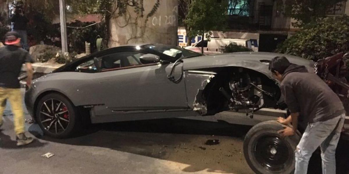 Choca Aston Martin en Viaducto; sería de edil de Pilcaya, Guerrero
