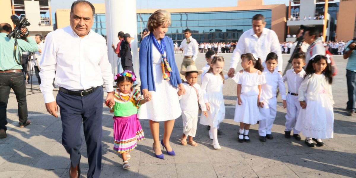 Guerrero está listo para recibir turistas en Semana Santa, afirma Héctor Astudillo Flores