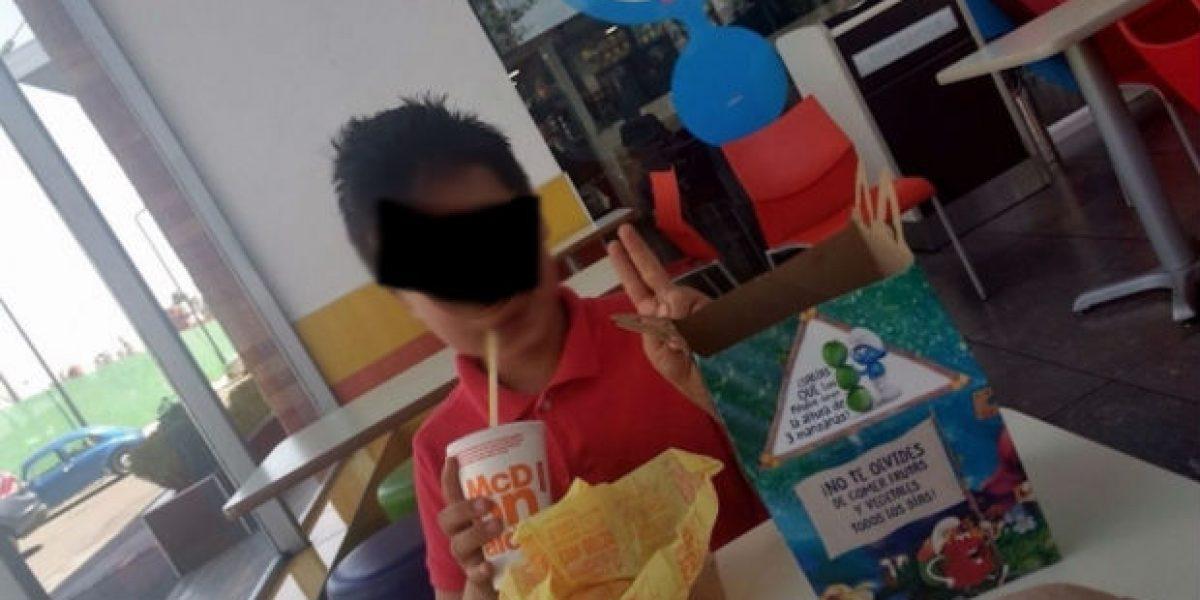 Secuestran a menor en área de juegos de restaurante en Edomex