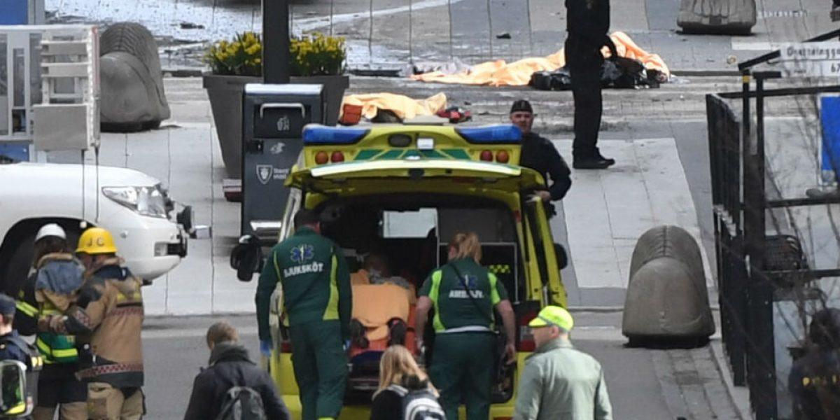 Suman cuatro muertos tras atentado terrorista en Estocolmo