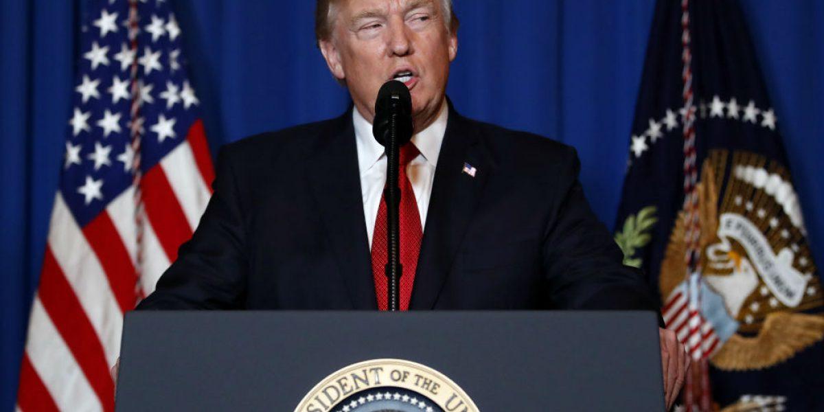 Trump ordena ataque con misiles contra base aérea en Siria
