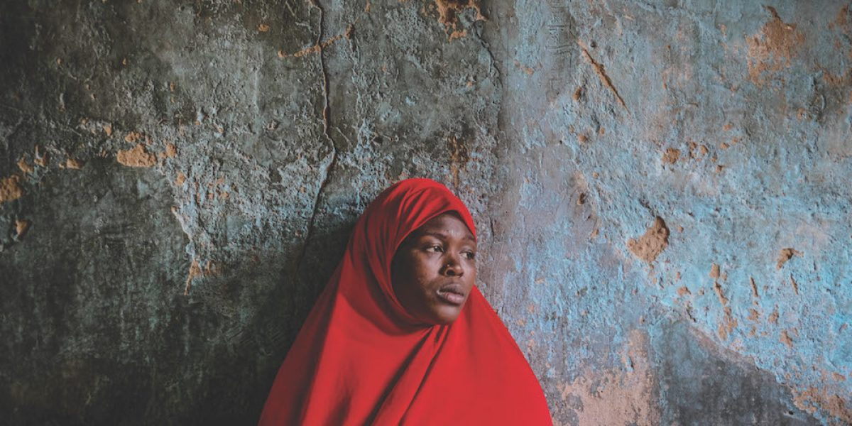 Debajo de la máscara de la vida nigeriana normal, la vida de los jóvenes está marcada por Boko Haram