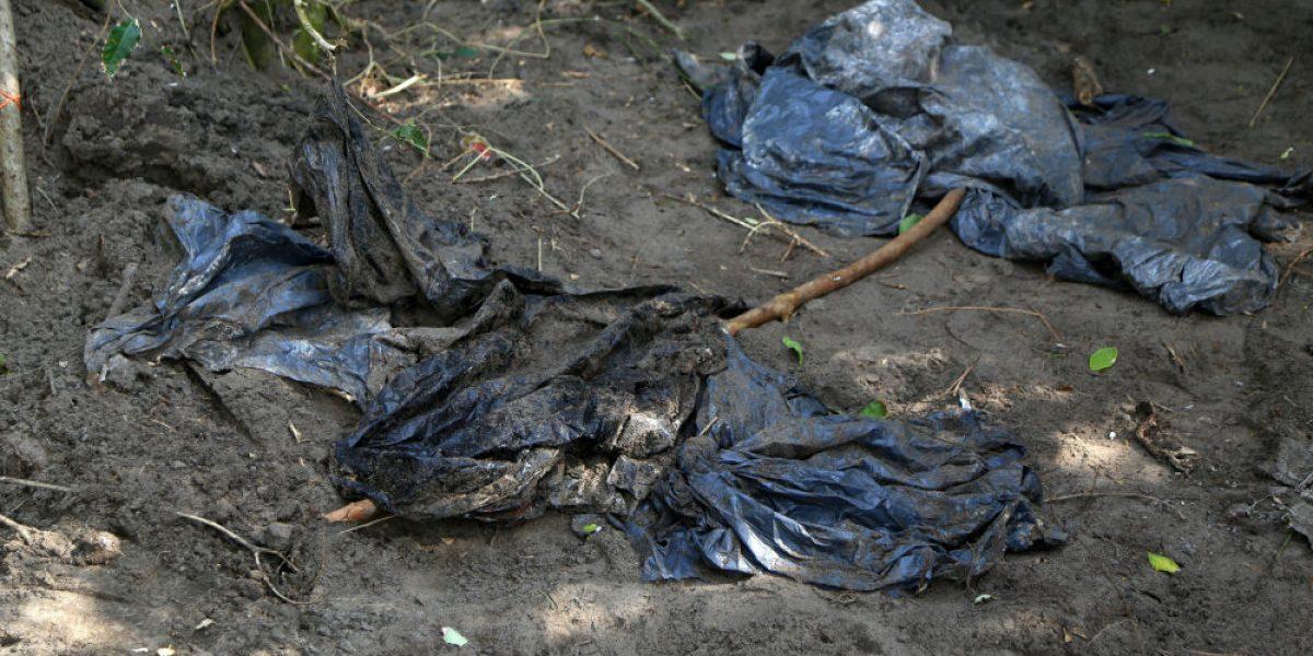 Buscan en fosas a marinos desaparecidos en Veracruz