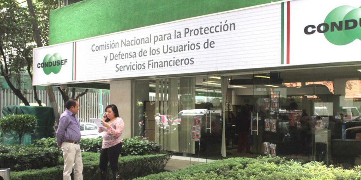 Cláusulas abusivas encarecen 10% los servicios financieros: Condusef