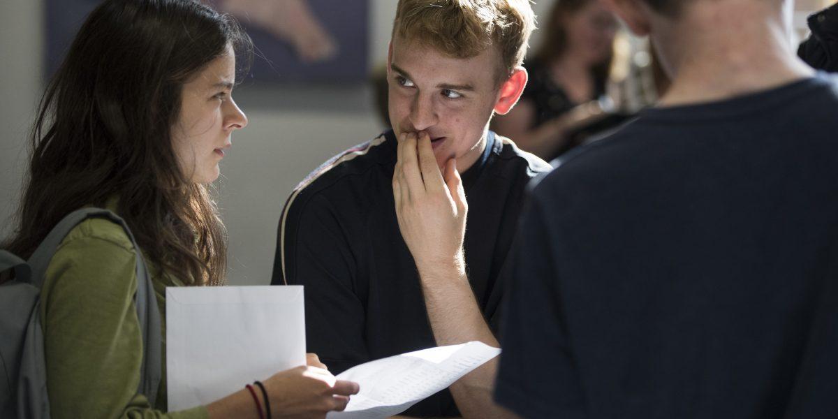 Lanzan convocatoria para becas de posgrado en el extranjero