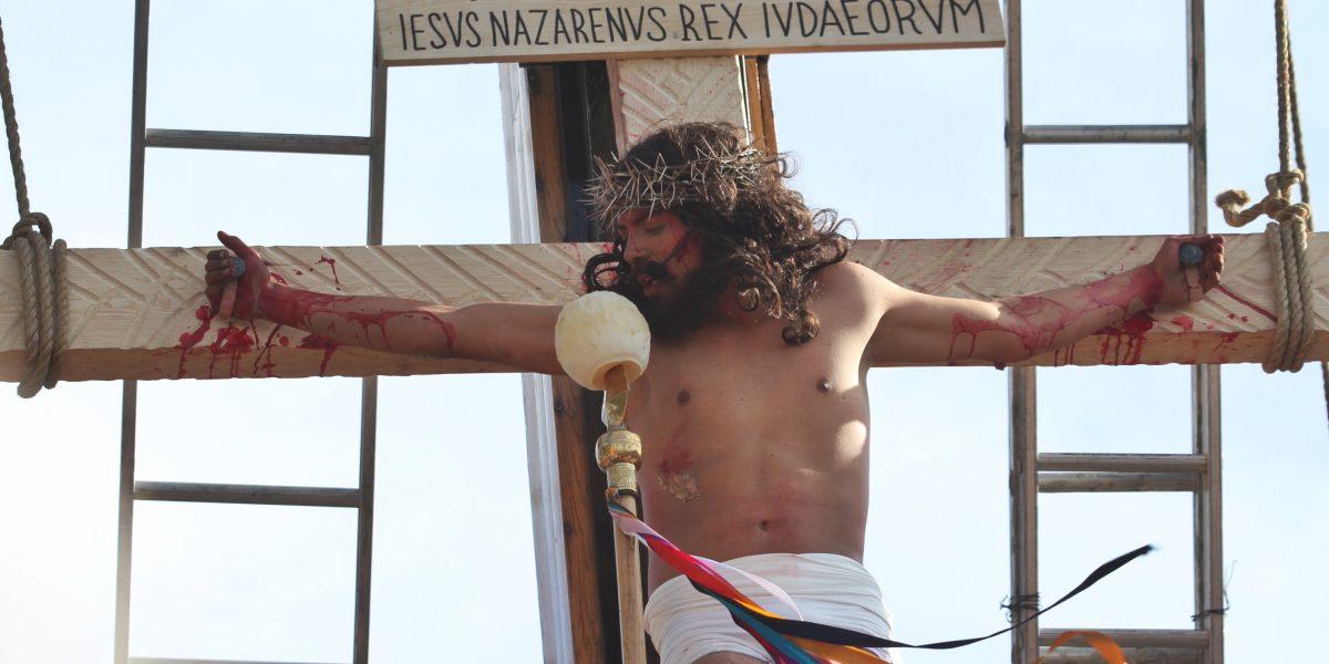 ¿Cómo se escribe correctamente Semana Santa?