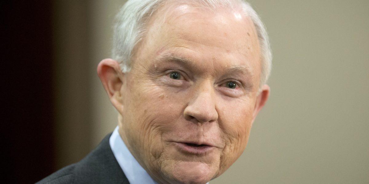 Jeff Sessions le declara la guerra a los cárteles de la droga