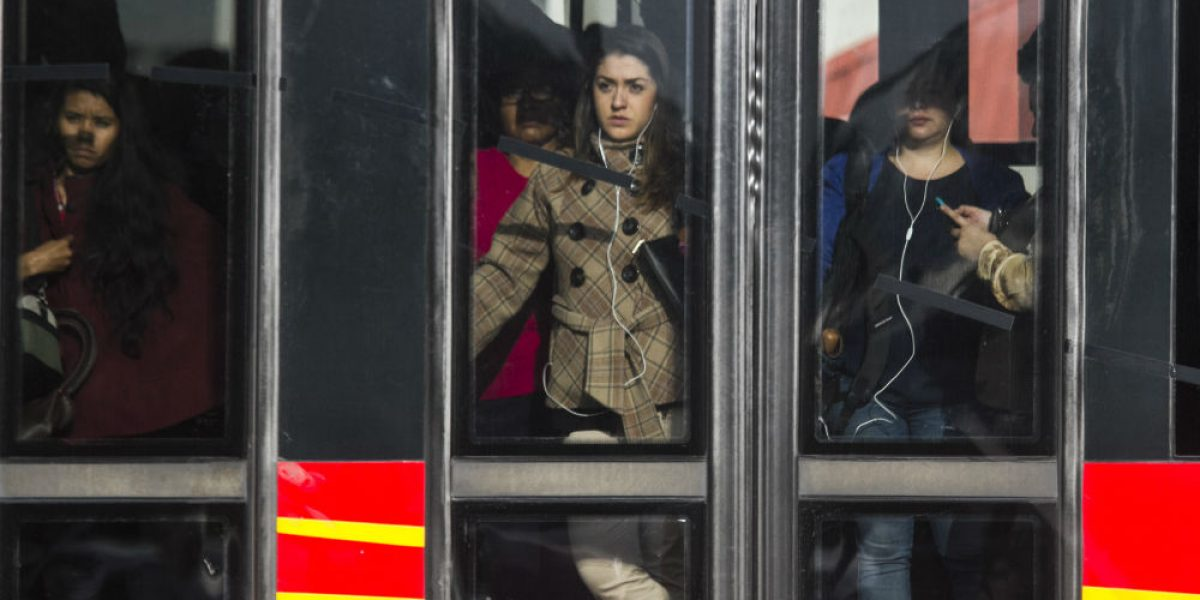 Metro y Metrobús tendrán horario especial este jueves y viernes