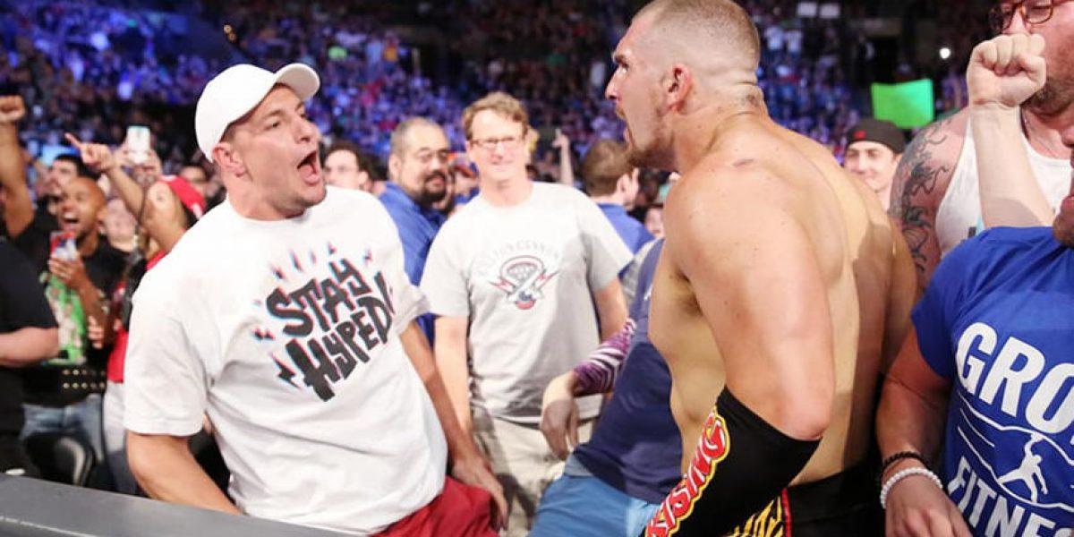 Rob Gronkowski volvió a intervenir en lucha de WWE