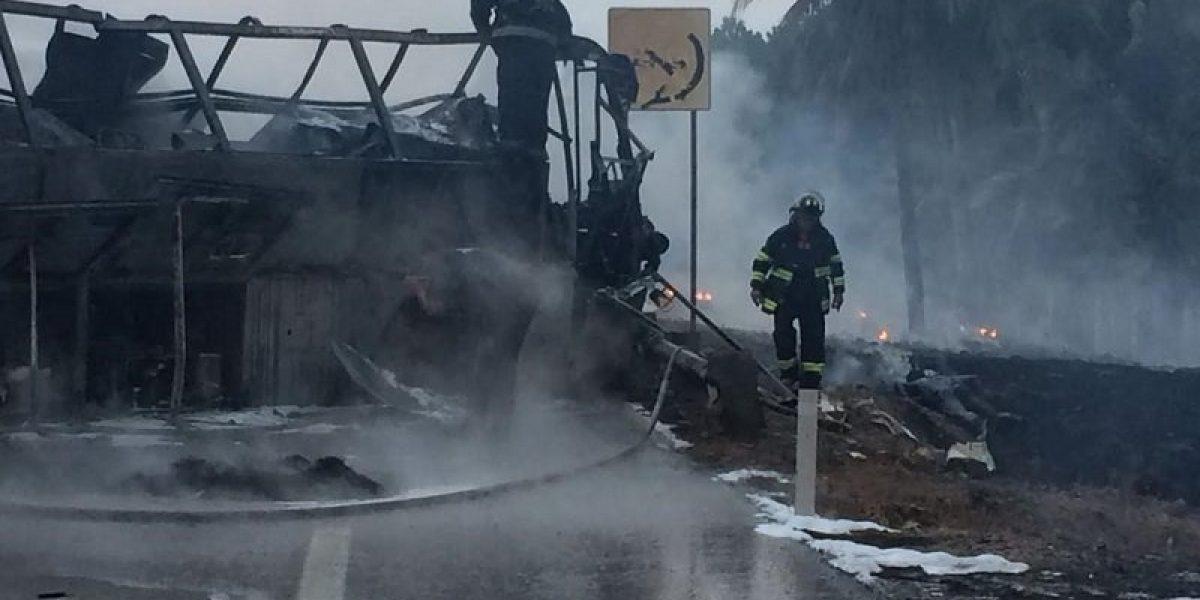 Choque de autobús en autopista Siglo XXI deja 24 muertos