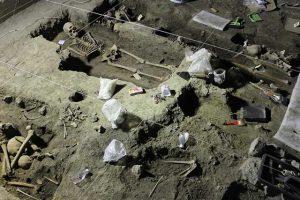 Durante el rescate, se encontraron vestigios prehispánicos y entierros de época colonial.. Imagen Por: Foto: UNO TV / Landybel Pérez
