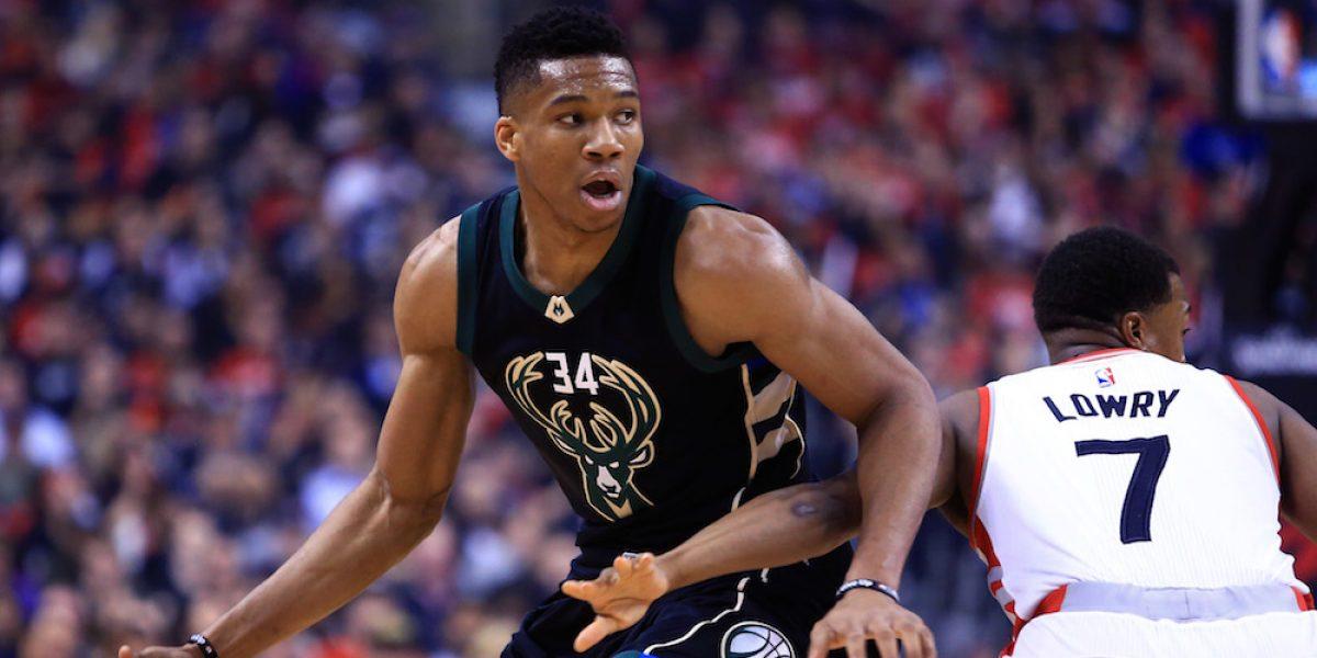 De la mano de Giannis Antetokounmpo, Bucks sorprenden y vencen a Raptors