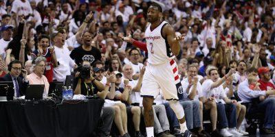 Wall impone récords en triunfo de Wizards sobre Hawks