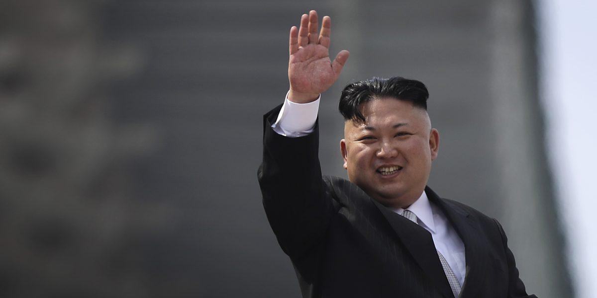 """Donald Trump advierte a Corea del Norte: """"Más vale que se comporten"""""""