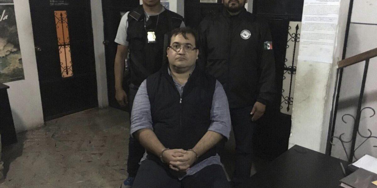 """""""Fotos incomodas"""" con Javier Duarte; hasta el rey de España se tomó la foto"""