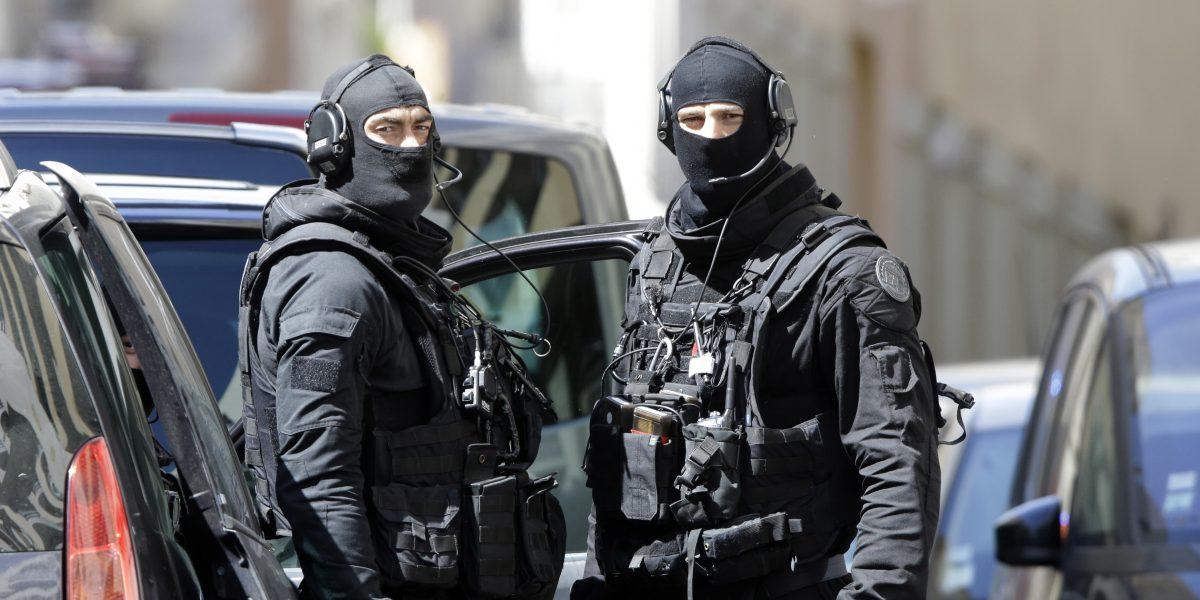 Francia: Frustran atentado terrorista a días de las elecciones presidenciales