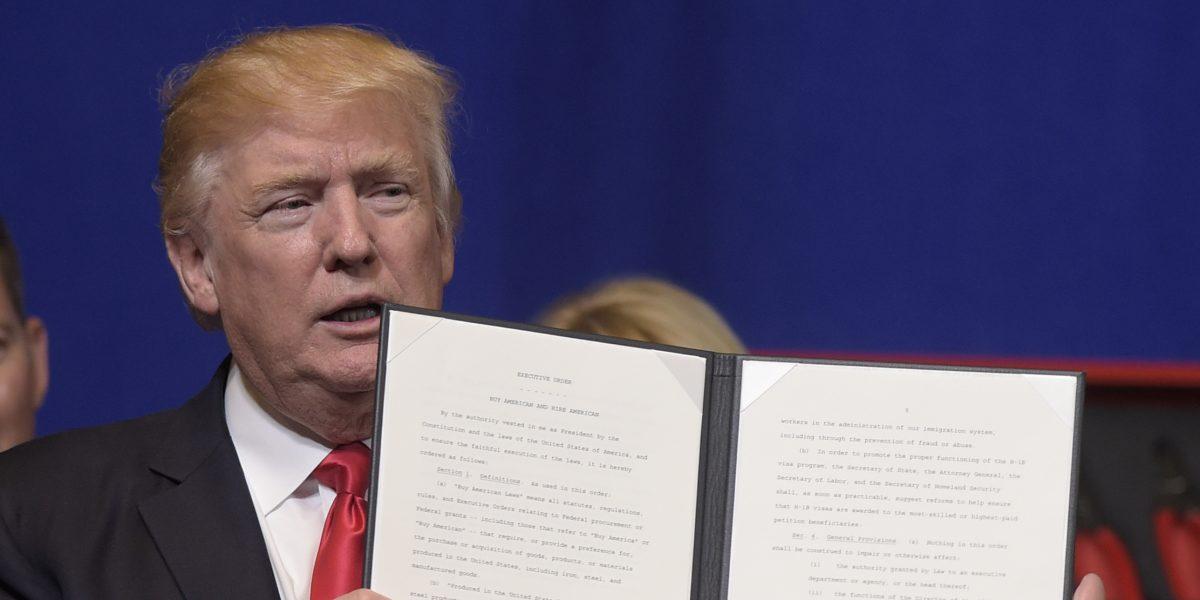 Trump endurece el proceso para obtener una visa de trabajo H1-B