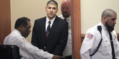 Ex jugador de la NFL se suicida en prisión