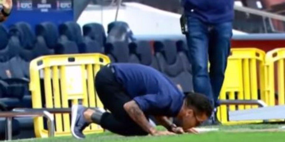 VIDEO: El increíble gesto de Dani Alves con el Barcelona