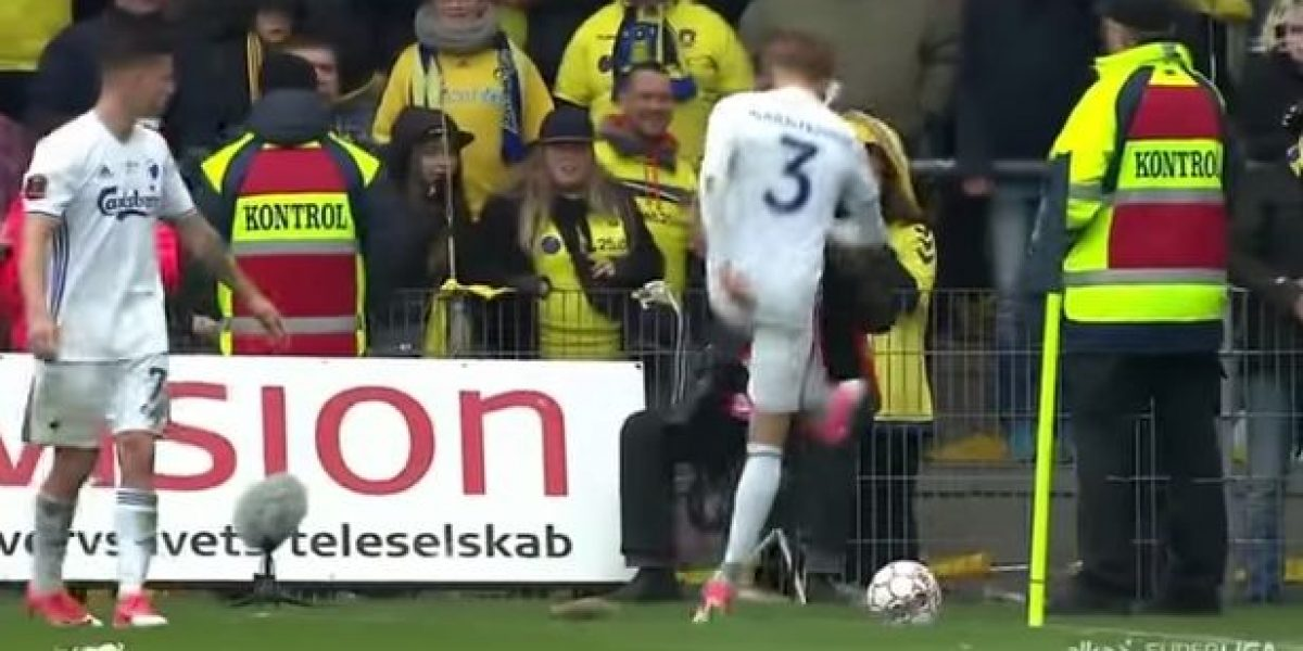 VIDEO: Aficionados lanzan ratas muertas a equipo rival