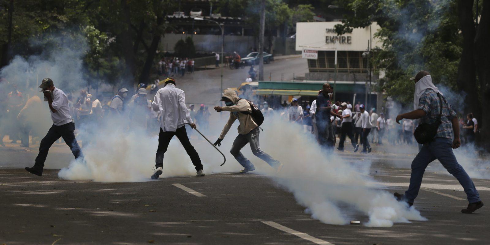 Antimotines bloquean a manifestantes la entrada al centro de Caracas