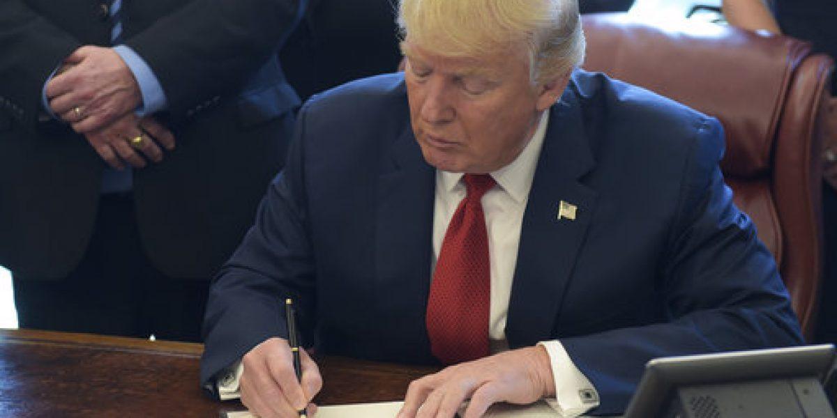 Trump busca asegurar dinero para construcción del muro en 100 días de gobierno
