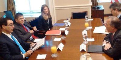 Meade y secretario del Tesoro de EU se comprometen a mejorar TLCAN