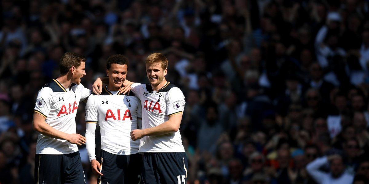 Técnico del Tottenham sufre colapso durante entremiento