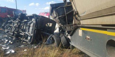 Accidente en bus escolar en Sudáfrica: Veinte niños murieron