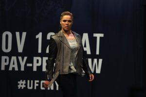 Ronda Rousey anuncia su compromiso con peleador de la UFC