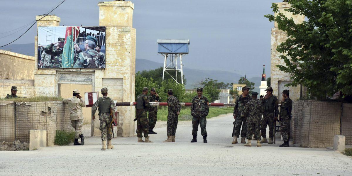 Ataque talibán deja 150 muertos en Afganistán