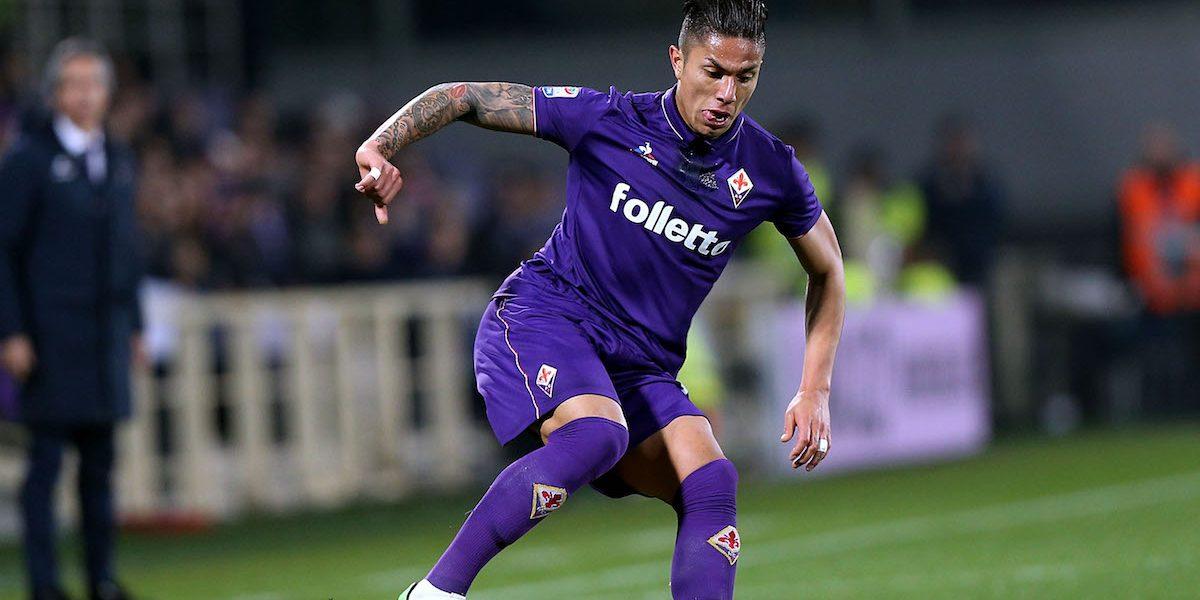 VIDEO: Gran actuación de Salcedo con pase para gol en victoria de la Fiorentina