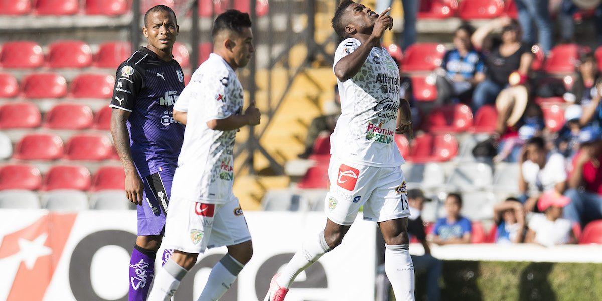 Los Jaguares arañan la permanencia con empate ante Querétaro