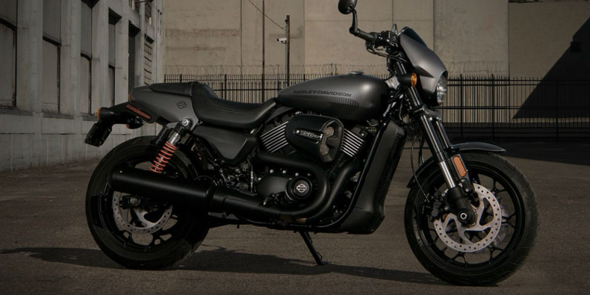 La calle es de Harley-Davidson: Street Rod