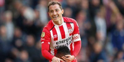 Bomba de humo casi suspende el PSV vs. Ajax